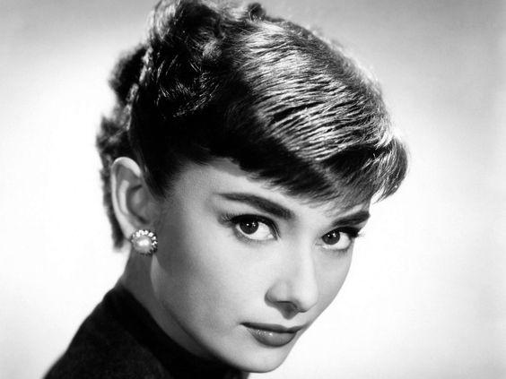 Célébrité - Audrey Hepburn  Fond d'écran