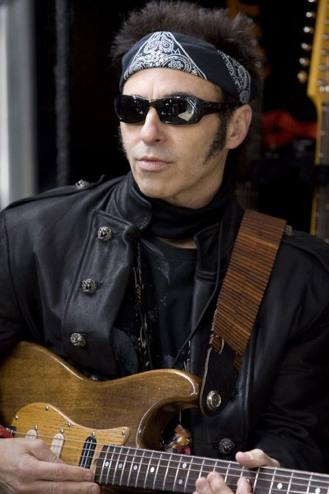 Nils Lofgren, guitar player for Bruce Springsteen's E ...