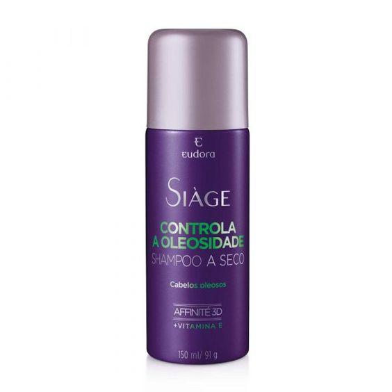 O Shampoo Siàge a Seco Controla a Oleosidade, controla a oleosidade dos seus fios por até 8 horas. Limpa os fios instantaneamente sem precisar enxaguá-los. Fácil e rápido de aplicar. Seus cabelos soltos e com aspecto de recém lavados por mai...