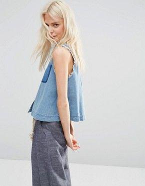 ASOS – Ärmelloses Jeanshemd mit ungesäumten Kanten und Schattentasche