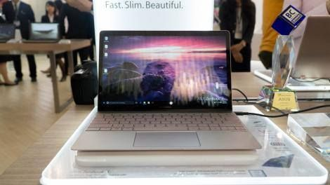 Hands-on review: IFA 2016: Asus ZenBook 3 Read more Technology News Here --> http://digitaltechnologynews.com There's a saying that imitation is the sincerest form of flattery  but not for Asus. The ZenBook 3 is the Taiwanese electronics firm's latest 12.5 inch MacBook-killing Ultrabook. It doesn't just so much imitate as it does completely destroy Apple's ultrathin laptop in specs and price.  Weighing in at a scant 2 pounds and 11.9mm (0.46-inches) thick it's both thinner and lighter than…