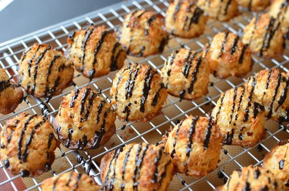 Coconut Macaroons - ButterYum