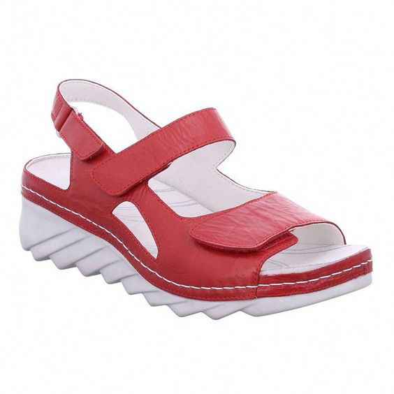 52 Casual Sandals That Make You Look Cool shoes womenshoes footwear shoestrends