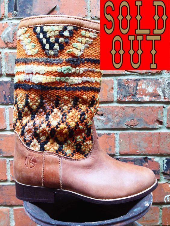 | kiboots | 'leeann' boot - size 39 {8}