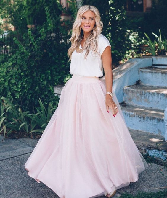 Designer Trade Women's Wedding/Bridal Blush Colored 6 Layer Tulle Full Length Skirt Custom Made to Order in the USA von DesignerTrade auf Etsy https://www.etsy.com/de/listing/262014835/designer-trade-womens-weddingbridal