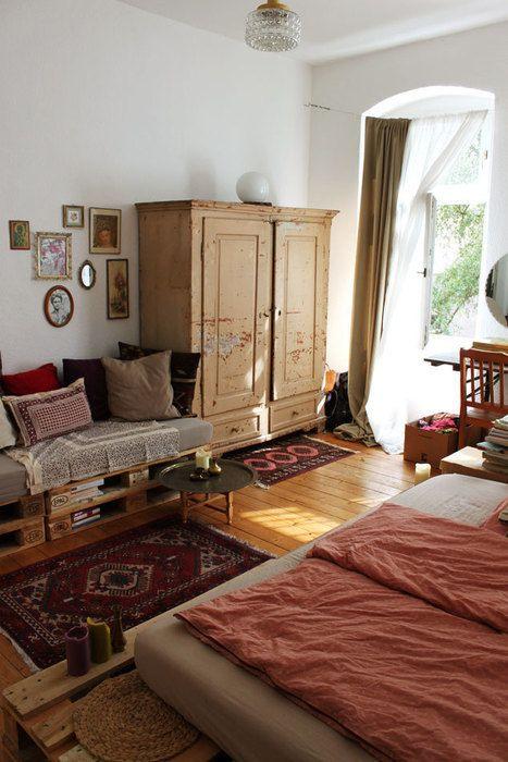 Bequemes Sofa in wunderschöner WG in zentraler Lage
