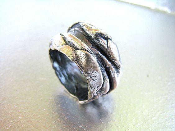 Anillos diseño contemporáneo de plata, perla, fósil, minerales, metales, bisutería, a medida y adaptables