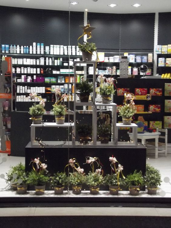 Escaparate de navidad para farmacia dise o de for Decoracion de farmacias