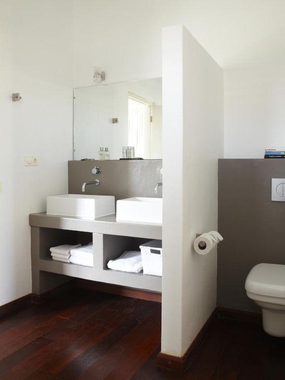 sympa la sparation avec les toilettes a rflchir pour ltage badkamer pinterest toilet bath and interiors - Toilettes Dans Salle De Bain