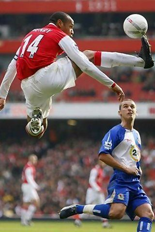 Thierry Henry (Francia) - Arsenal - What a player at his very peak! www.legend-s.co.uk