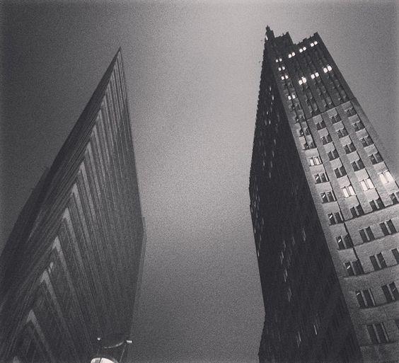 Gute Nacht Berlin   #herbst #zukalt #zuvielregen by annmarlen_