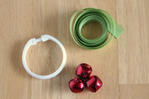 christmas wreath ornament made from shower ring
