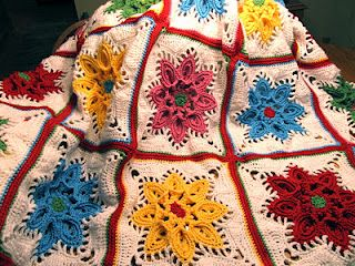 Beautiful Afghan & there is a pattern for this square.