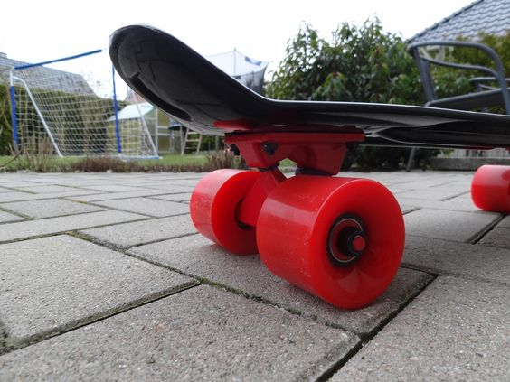 "Amazon.de:Kundenrezensionen: Yorbay® 22"" Retro Skateboard Mini Cruiser Board Komplett Fertig Montiert (Deck Pink/ LED transparent Räder)"