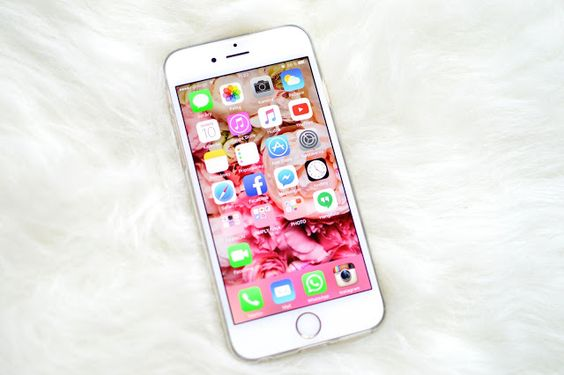 Simply Nina: What's in my iPhone