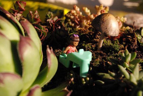 Jardín en miniatura con polly pocket pianista (4)