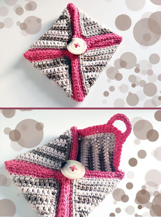 crochet mini-case ... FREE PATTERN (deutsch + englisch) @BeWool    http://bewool.de/free-pattern-0213-mini-tasche/