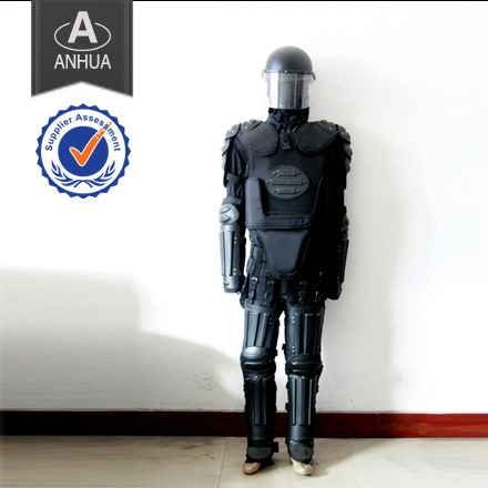 There are many kinds of Anti-Riot Suit in Anhua Police Equipment Manufacturer,with high quality and good security.