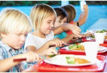 Cantine : les repas pris en 25 minutes seraient plus équilibrés