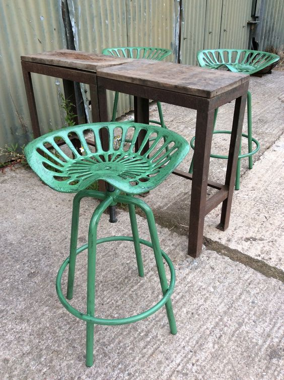 Tractor Seat Bar Breakfast Stool In Cast Iron And Steel