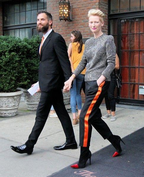 Tilda Swinton And Sandro Kopp Photos Photos Tilda Swinton Sandro Kopp Leaving The Bowery Hotel Tilda Swinton Cool Street Fashion Stylish Couple