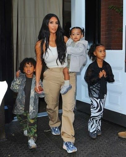 Kim Kardashian In 2020 Kanye West And Kim Cute Outfits For Kids Kardashian Kids