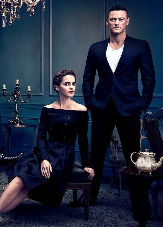 Dailywatson Emma Watson Dan Stevens And Luke Evans Portrait Poses Couple Photography Poses Family Photoshoot