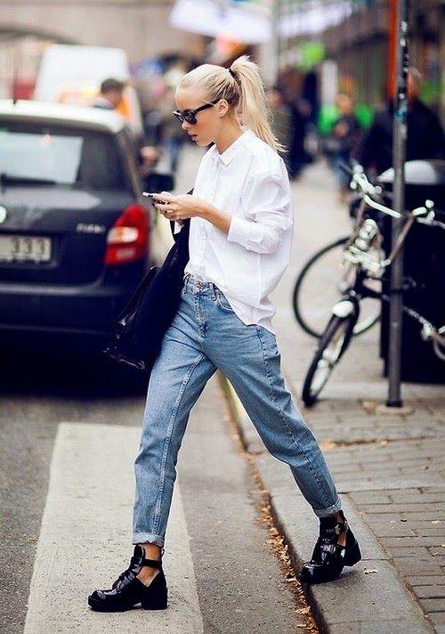 джинсы mom с рубашкой