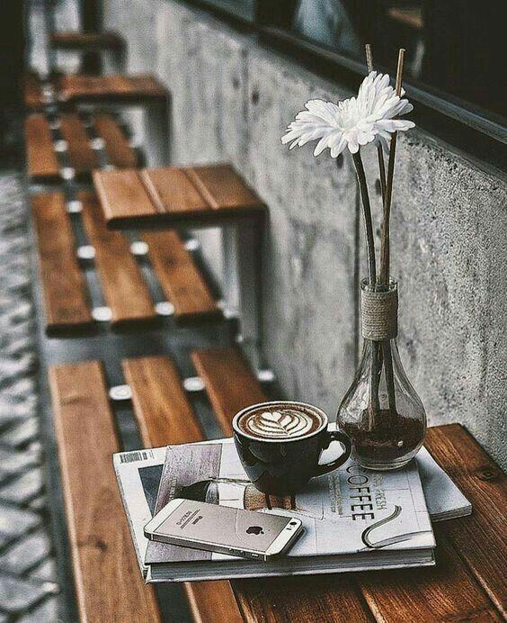 Outdoor Seating Idea Coffee Shop Design Coffee Shop Decor Cozy Coffee Shop