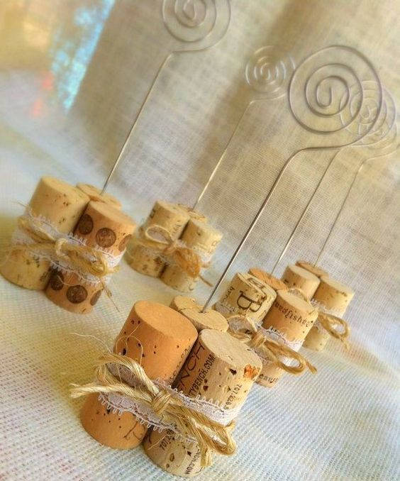 Riciclo creativo dei tappi di sughero 10 idee originali - Idee originali per segnaposto matrimonio ...