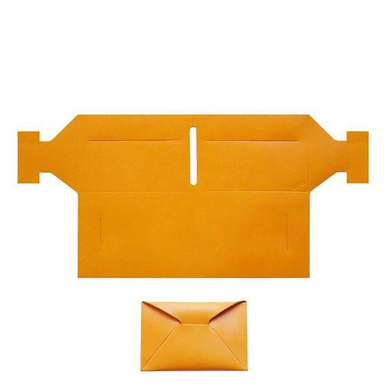 Le produit Yön - leather wallet ORIGAMI (portefeuille) + money est vendu par koloroj dans notre boutique Tictail.  Tictail vous permet de créer gratuitement votre boutique en ligne - tictail.com