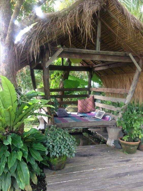 cosy beruga, wooden deck, mossy pots
