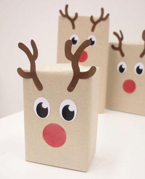 Reindeer Gift Wrap 2