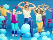 Valesca lança clipe em parceria com a marca de limpeza Veja - http://brasiliadigitalmarketing.com.br/marketing-digital/2014/08/18/valesca-lanca-clipe-em-parceria-com-a-marca-de-limpeza-veja/