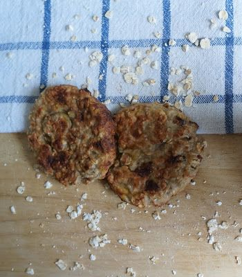 Recipe of the day: Healthy Breakfast Banana Cookie/Patty/Cakes! Wholesome ingredients, no added sugar, low fat...perfect for a filling breakfast on the go!
