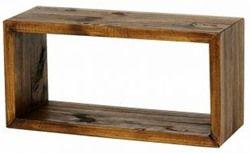 Estava pensando em coisas simples e úteis. E conclui que uma das coisas mais simples e úteis na decoração e organização é o nicho de madeira! Como estes: