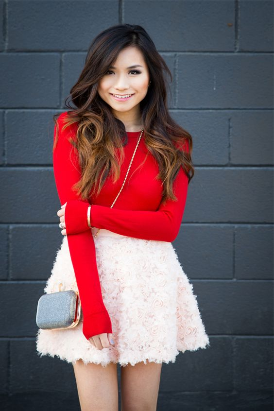 I love the color combo and the texture of the skirt, I just wish it was longer!