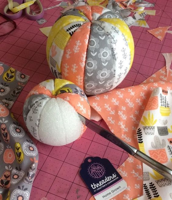 Do you buy those fat quarter packs of beautiful fabrics that coordinate perfectly? Yup, me too. These no-sew fabric pumpkins are just the project to make with them. Grab yourself 3 Styrofoam balls …