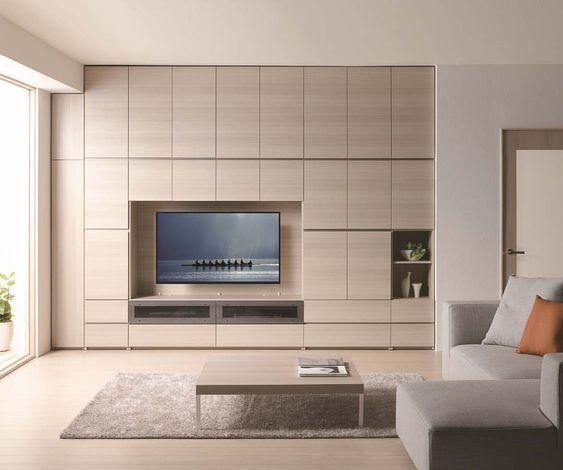 パモウナの壁面収納は横幅と高さを1ミリ間隔で対応することが出来るため、様々な間取りに壁一面を埋め尽くす大容量の収納をつくり出すことが可能です。 壁を有効活用しながら高級感を感じさせる壁面収納は、扉の中にあらゆるものを収納して生活感を隠すことで、暮らしやすいすっきりとしたシンプルさが引き立つ、上質でスタイリッシュなリビング空間を演出することが出来ます。 壁面収納 / CA (Brand:Pamouna) ソファ / J (Brand:Pamouna) pamounajapan #パモウナ #CA #テレビボード #リビングボード #リビング #家具 #モダン #インテリア #デザイン #ライフスタイル #暮らし #収納 #隠す収納 #住まい #壁面収納 #Pamouna #living #livingroom #TVboard #modern #interior #interiors #interiordesign #furniture #japan #decor #interiordecor #luxury #luxurylife #storage