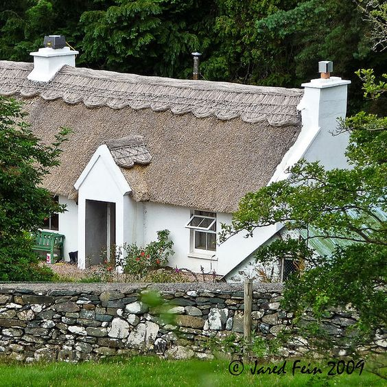 This lovely Irish cottage is located on Loch Eske in County Donegal, Ireland.