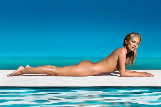 Kate Moss, égérie de la marque de soins autobronzants St. Tropez