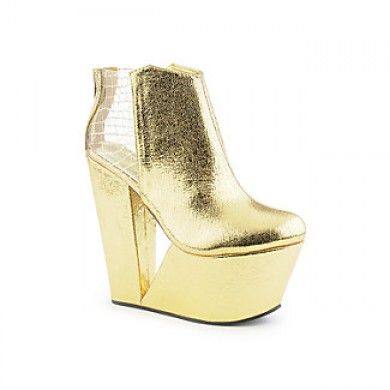 Gold cutout wedges