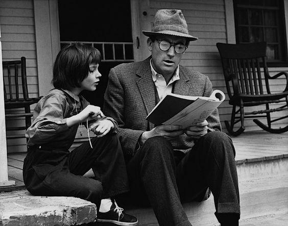 """Il buio oltre la siepe - Harper Lee. (To Kill A Mockingbird 1960).- Photo by LEO FUCHS - """"Fino al giorno in cui mi minacciarono di non lasciarmi più leggere, non seppi di amare la lettura: si ama, forse, il proprio respiro?"""""""