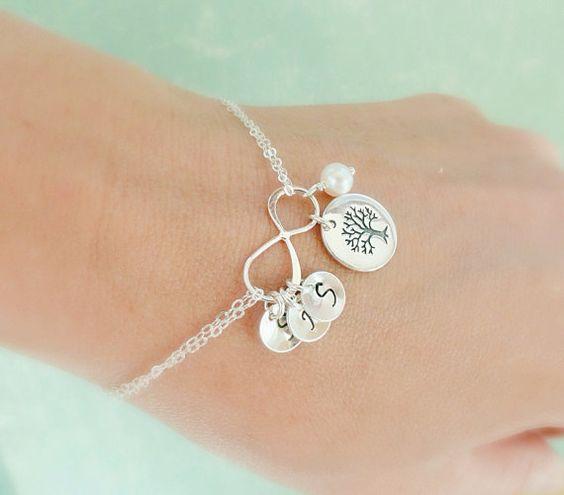 Arbre généalogique Bracelet avec initiales, bracelet de mères, bracelet infini, arbre de la vie, initiales de la famille, les sœurs bracelet, meilleur cadeau ami