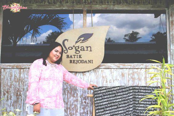 Me at Sogan Batik Rejodani , Jogjakarta
