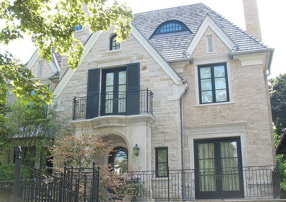 Indiana Limestone Coursing & Indiana Limestone surrounds by CWB MTL, via Flickr