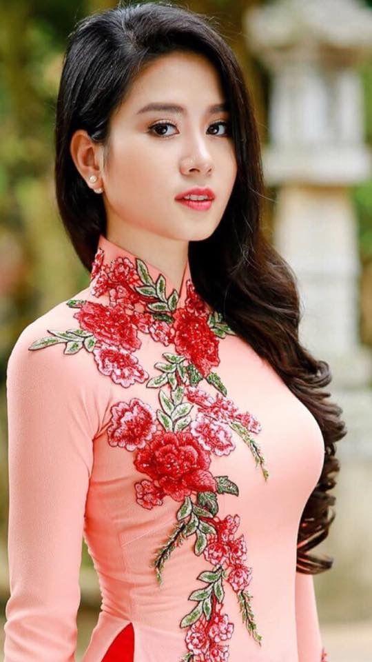 Linh Bui Ao Dai Pinterest Tvs Vietnam And Beauty