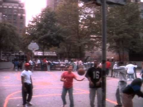 Paul Simon - Me And Julio Down By The Schoolyard - YouTube