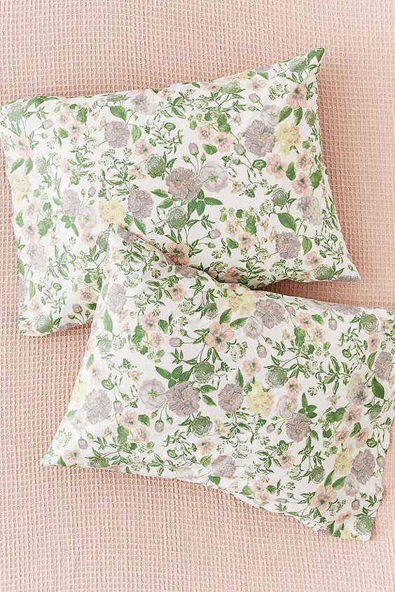 Amara Floral Pillowcase Set