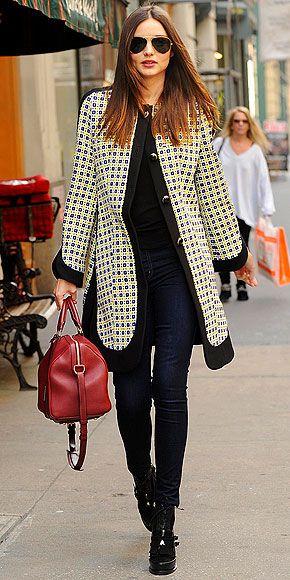 Running errands in Manhattan, Miranda wore this printed Marni coat paired with dark rinse Nobody skinny jeans.